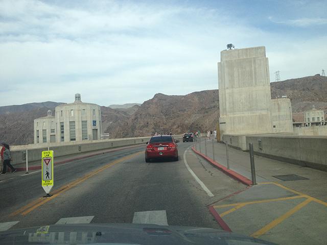 Fahrt über den Hoover Dam