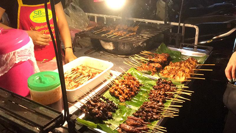 Fleischspieße in Bangkok - Streetfood
