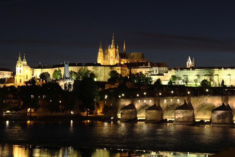 Karlsbrücke bei Nacht - Prag
