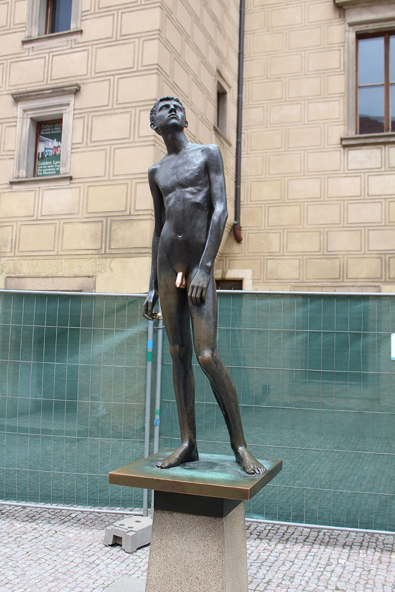 Prag - Junge mit dem goldenen Penis