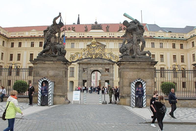 Prager Burg - Eingangstor