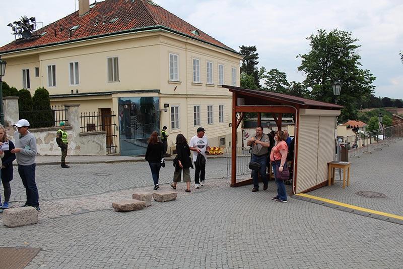 Prager Burg - Sicherheitskontrollen