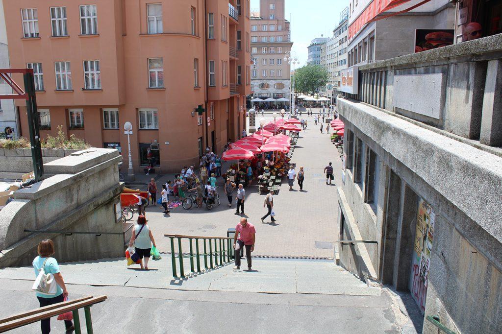 Treppe zum Dolac Market