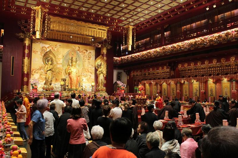 Buddha Tooth Relic Temple - von innen