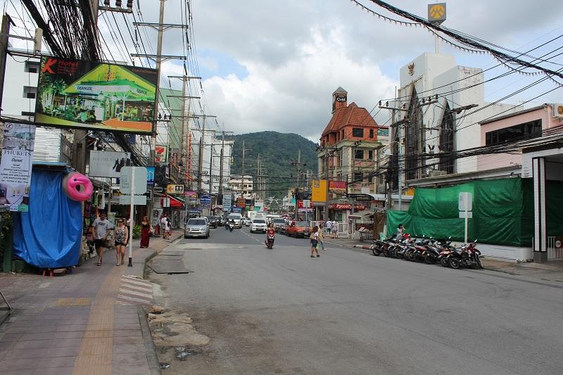 Straße am Patong Beach