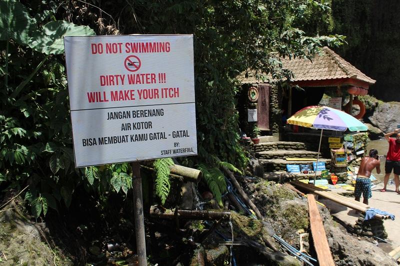 Tegenungan Wasserfall - Schwimmen verboten