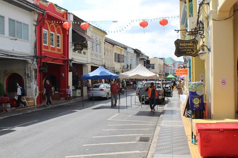 Thalang Road Phuket - Aufbau vom Markt