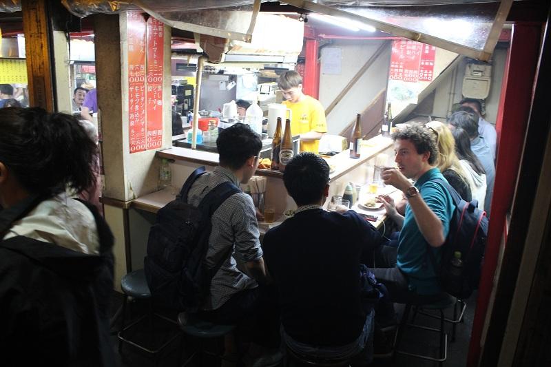 Typisches Restaurant in Tokio