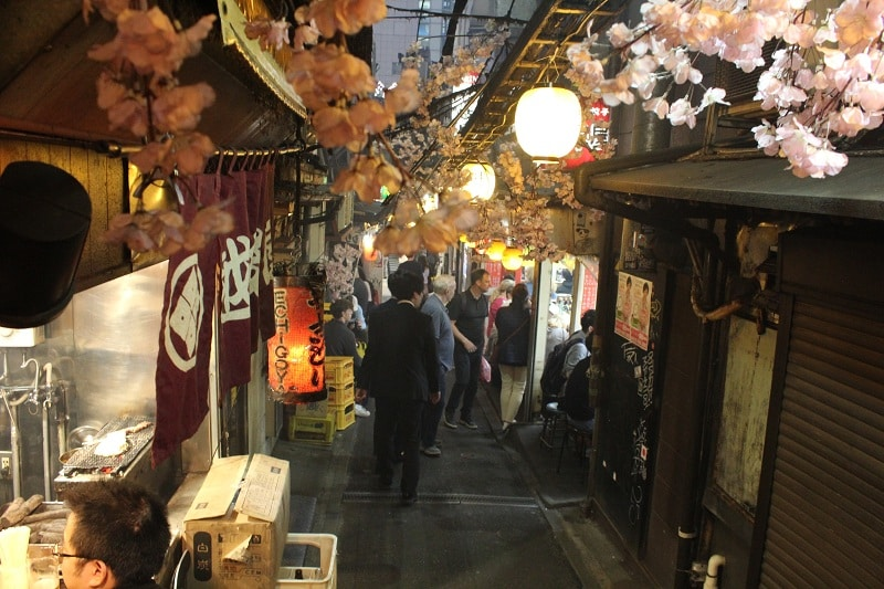 Omoide Yokocho - Nachts