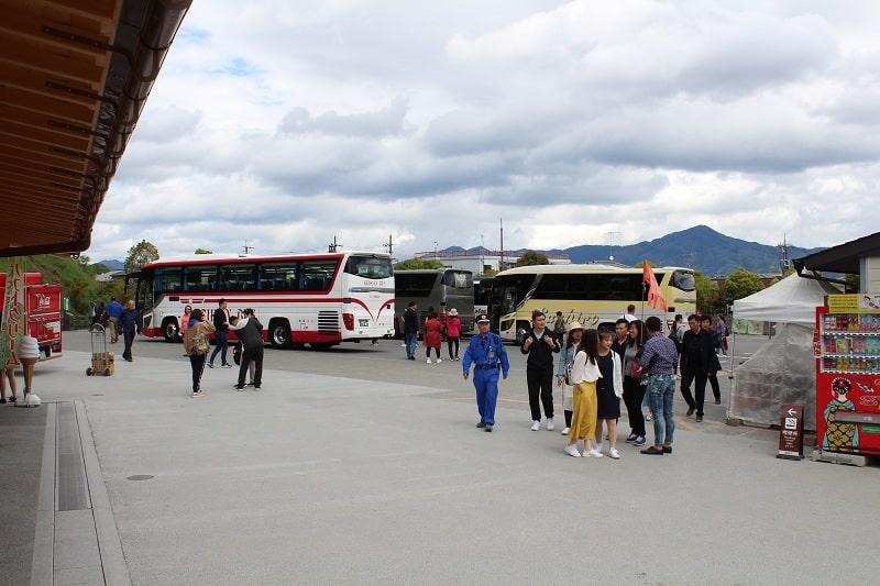 Kyoto - Busse am goldenen Tempel