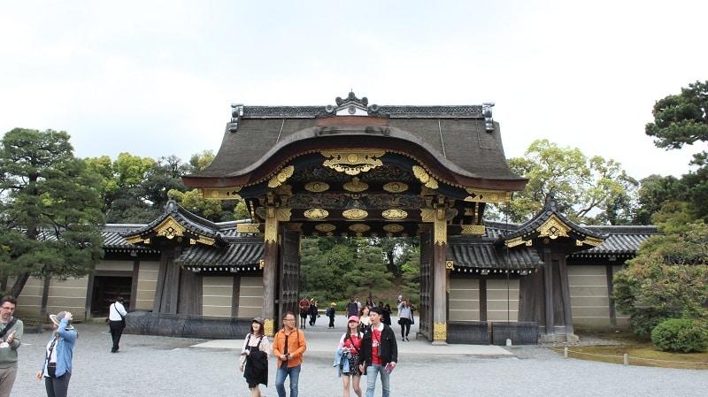 Tor zur Burg Nijo im Innenbereich