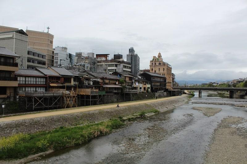 kamogawa Fluss in Kyoto