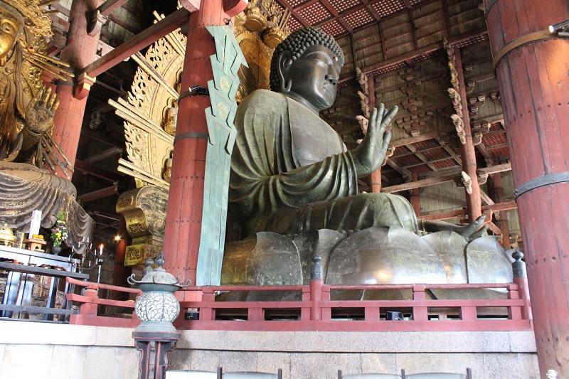 Nara - Größte Bronzestatue der Welt